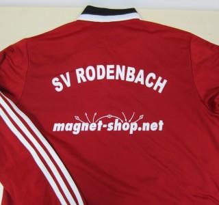 Neue Trainingsanzüge für SV Rodenbach gesponsert von magnet-shop.net