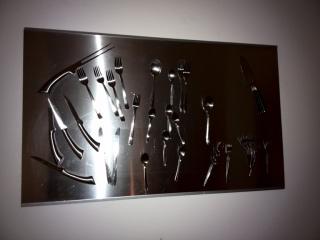 Schubladenersatz an der Wand dank starker Supermagnete