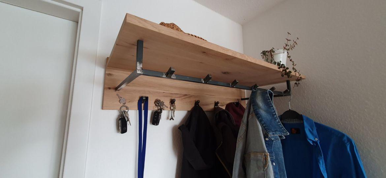 Fertige Garderobe mit Schlüsselbrett