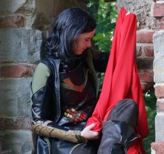 Loki Kostüm mit Metallscheiben