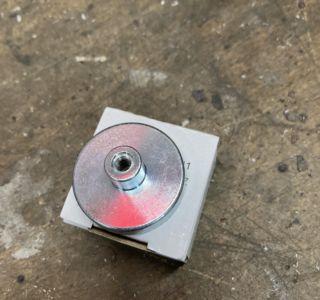 Neodym Flachgreifer Ø 32,0 x 7,0 mm mit Buchse